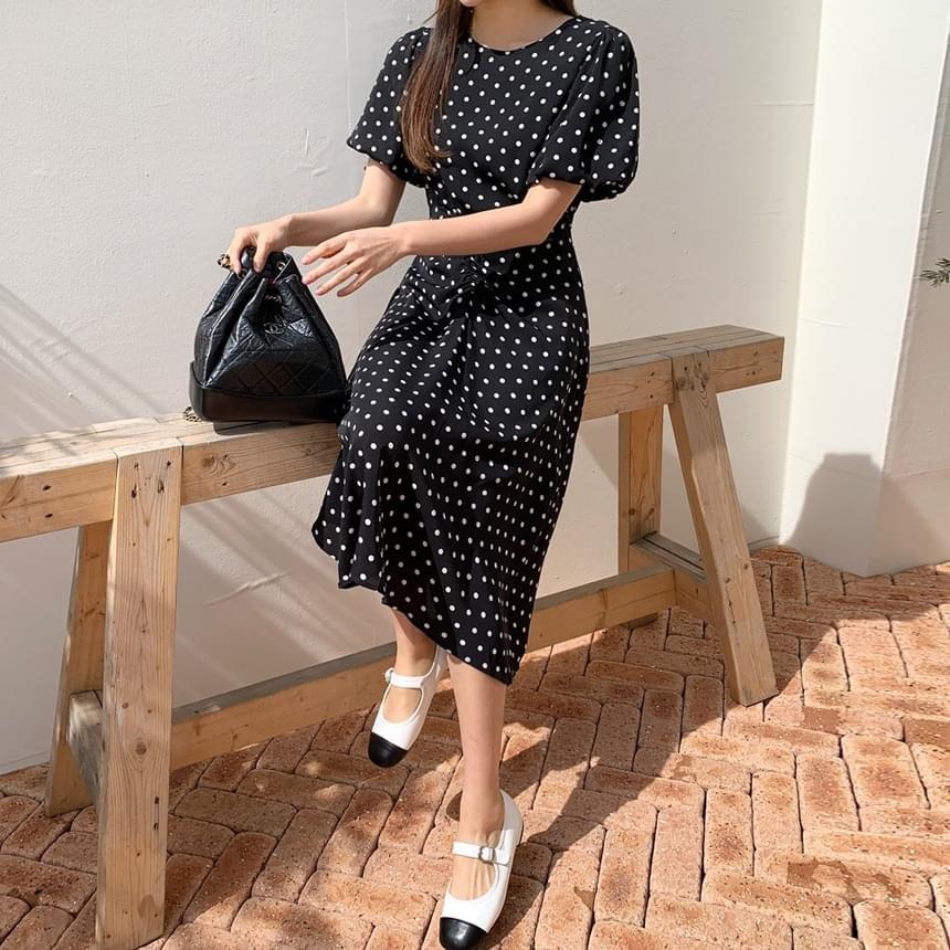 Dot shirring Dress