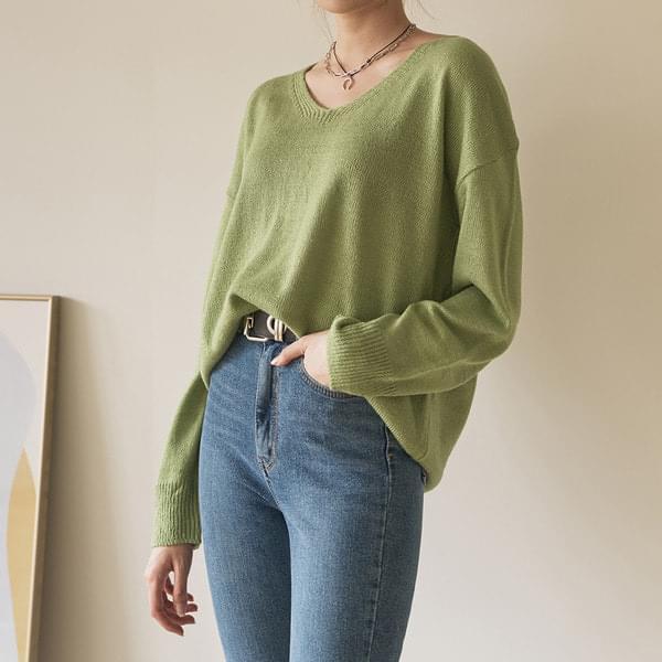 Milk V-neck loose knit