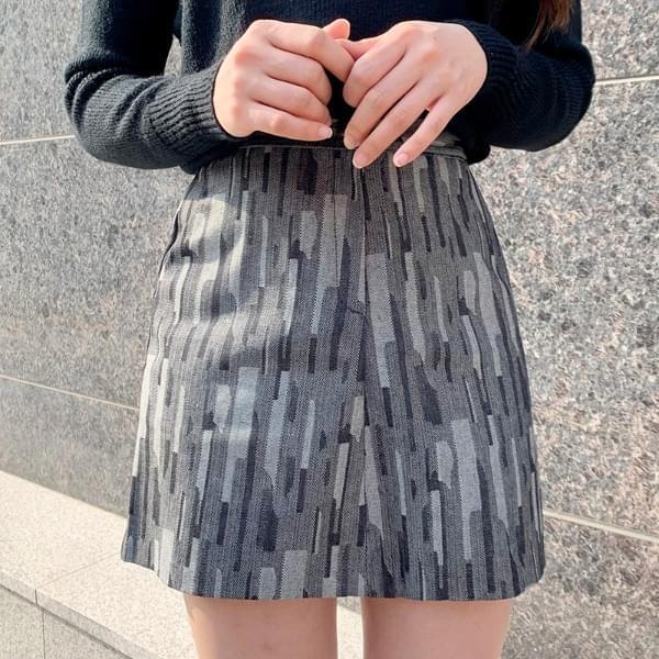 Damage pattern skirt
