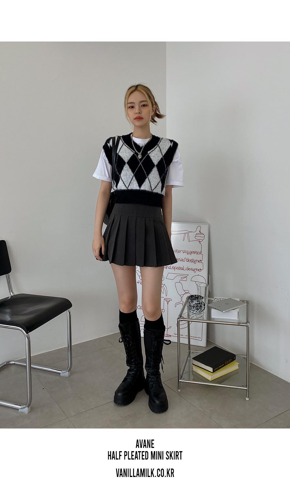 Avanne half pleated mini skirt
