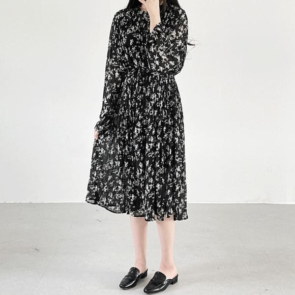 Flower pleated long Dress
