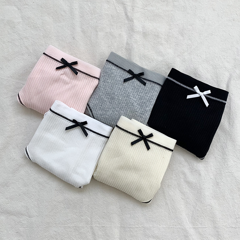 A collection of 6 types of panties every day of the week
