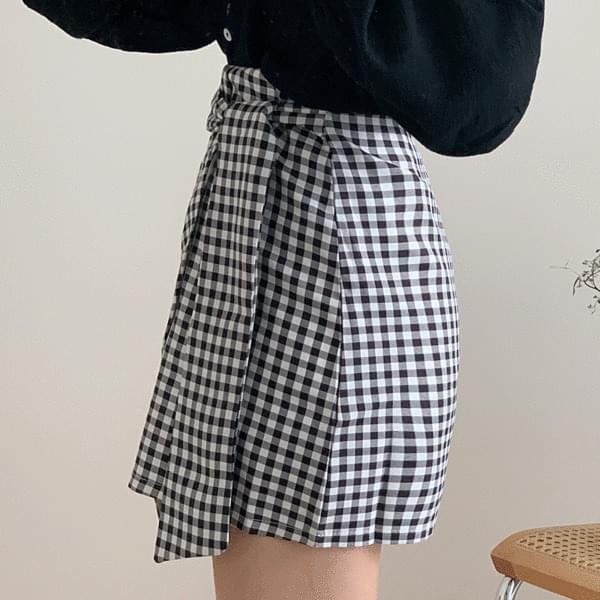 Check twisted unfooted skirt