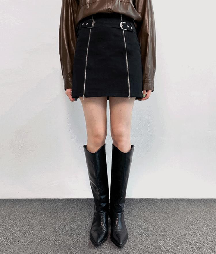 Buckled Strap Zip Accent Mini Skirt 裙子