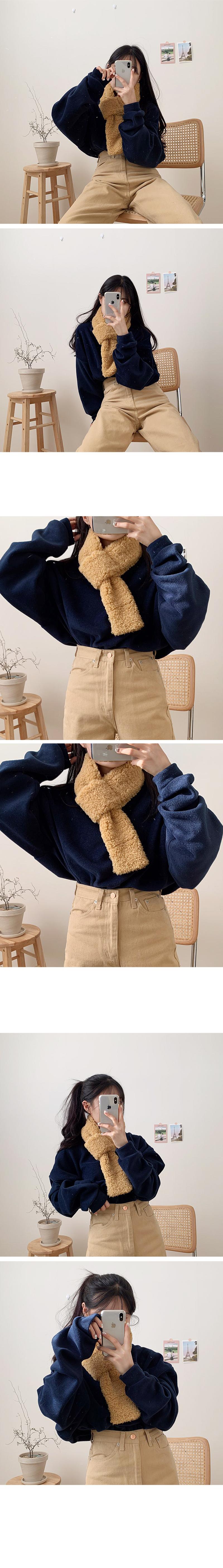 Daily fleece scarf