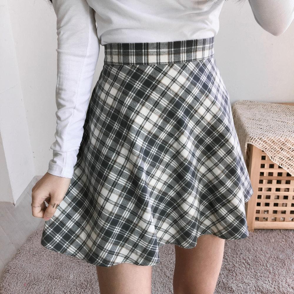 Rib check flared skirt