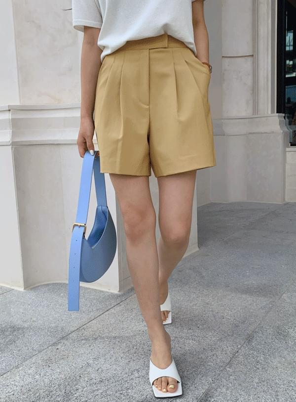 Sally pintuck shorts