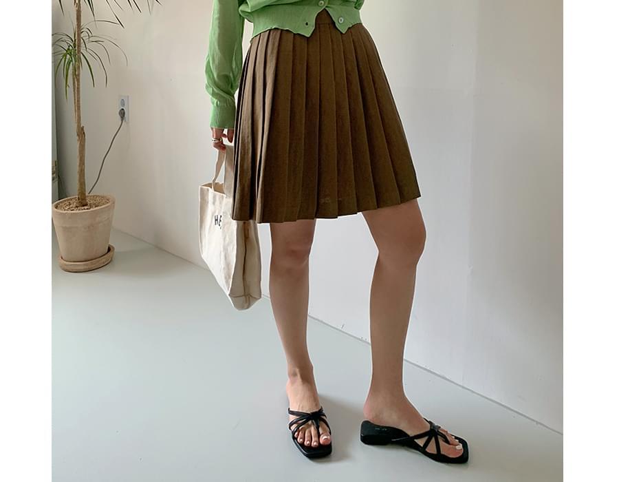 Simple Strap Leather Flip Flops