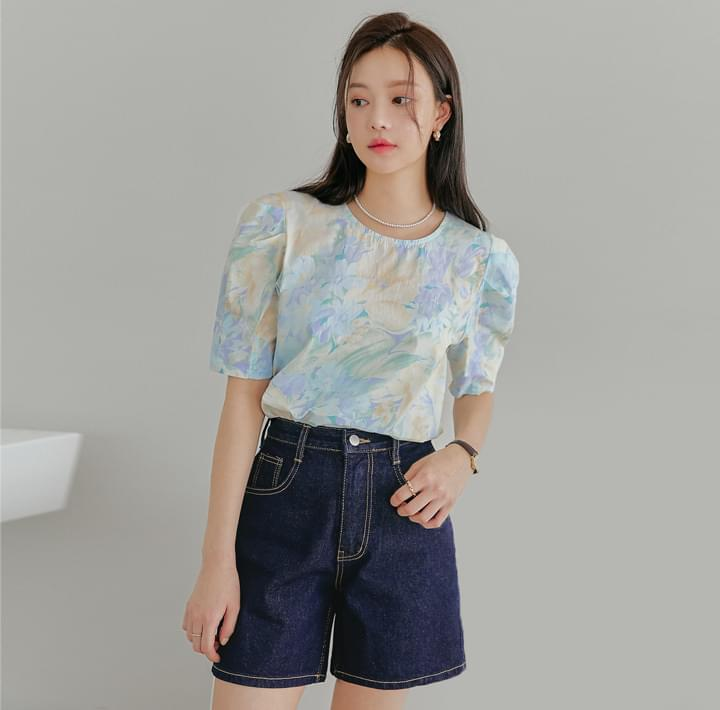 Floral Pattern Puff Sleeve Blouse
