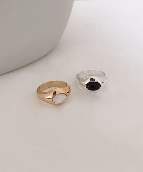 achromatic ring