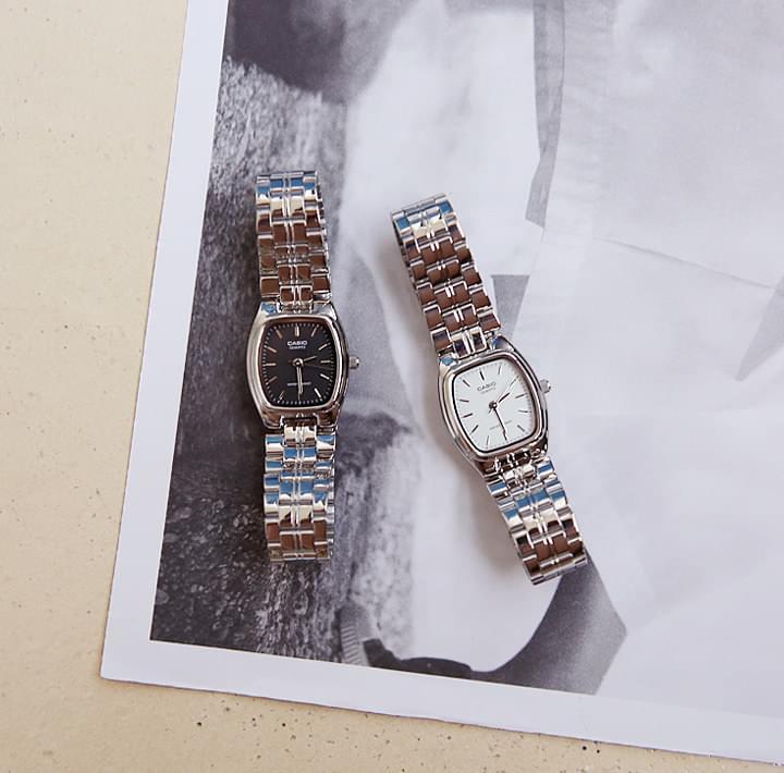 Foldover Clasp Bracelet Strap Wristwatch