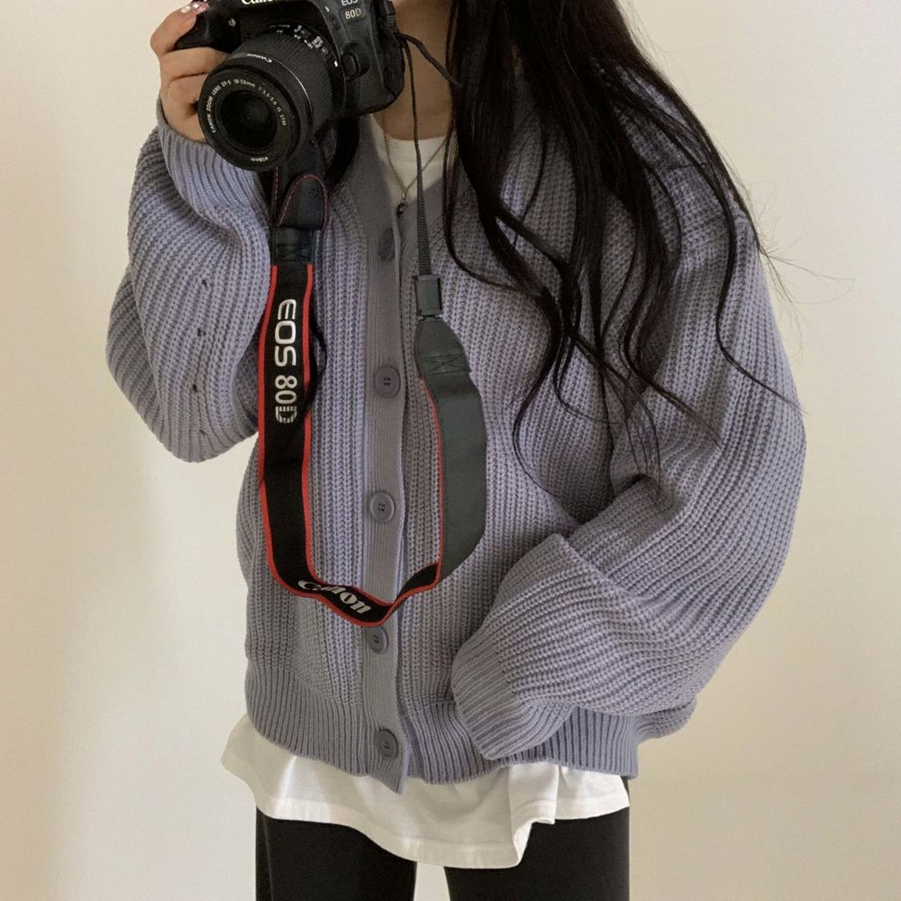 long sleeved tee model image-S1L23