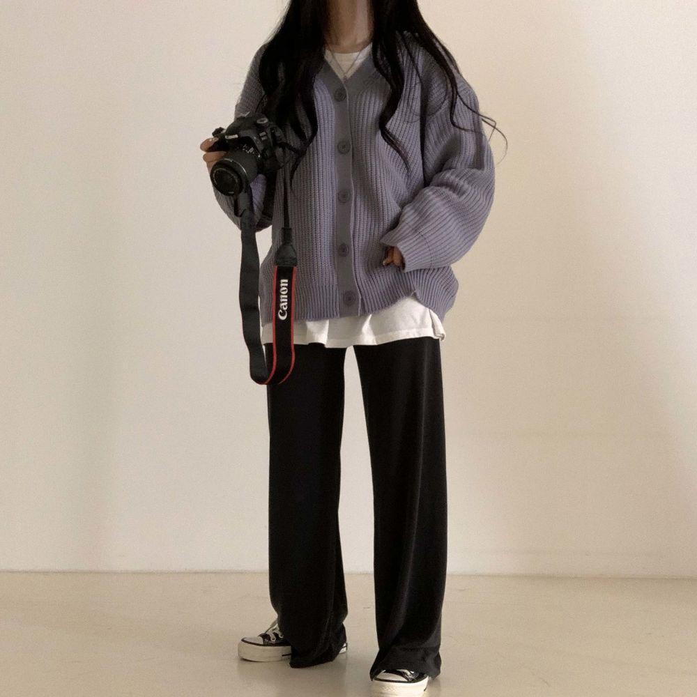 long sleeved tee model image-S1L27