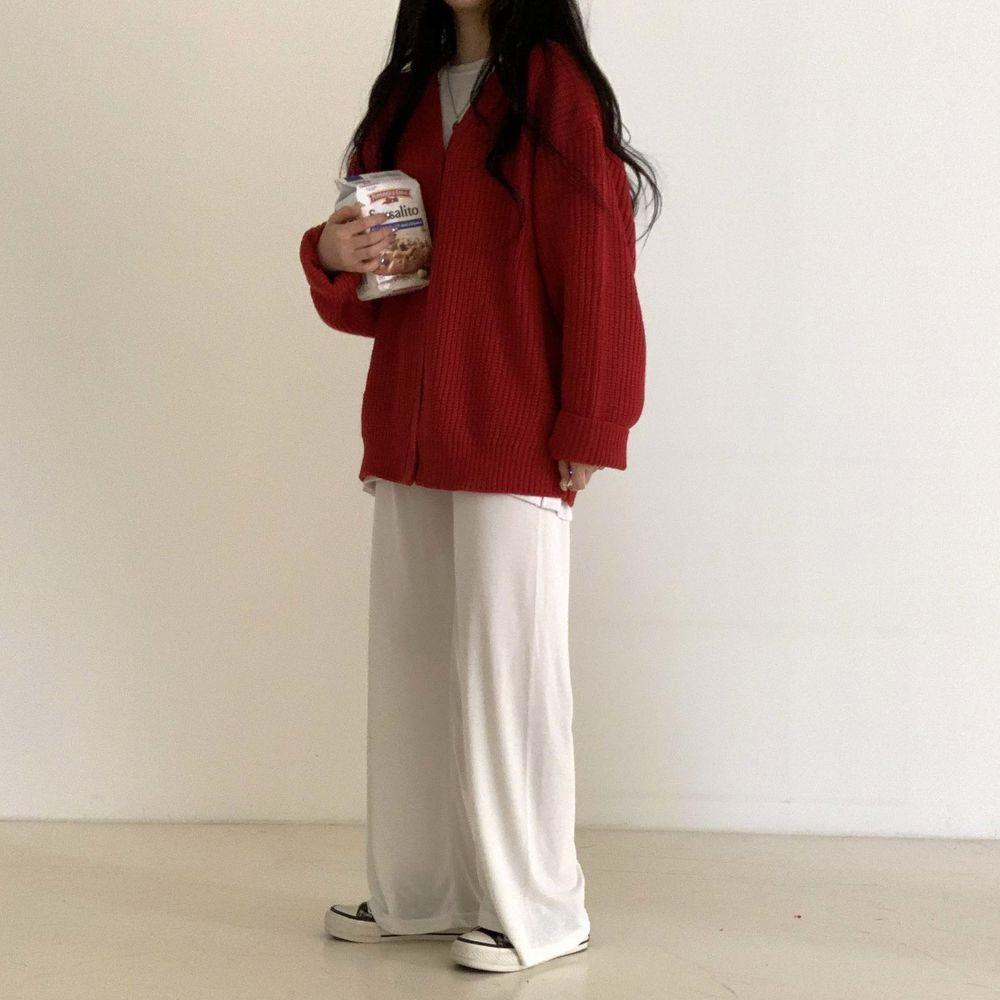 long sleeved tee model image-S1L49