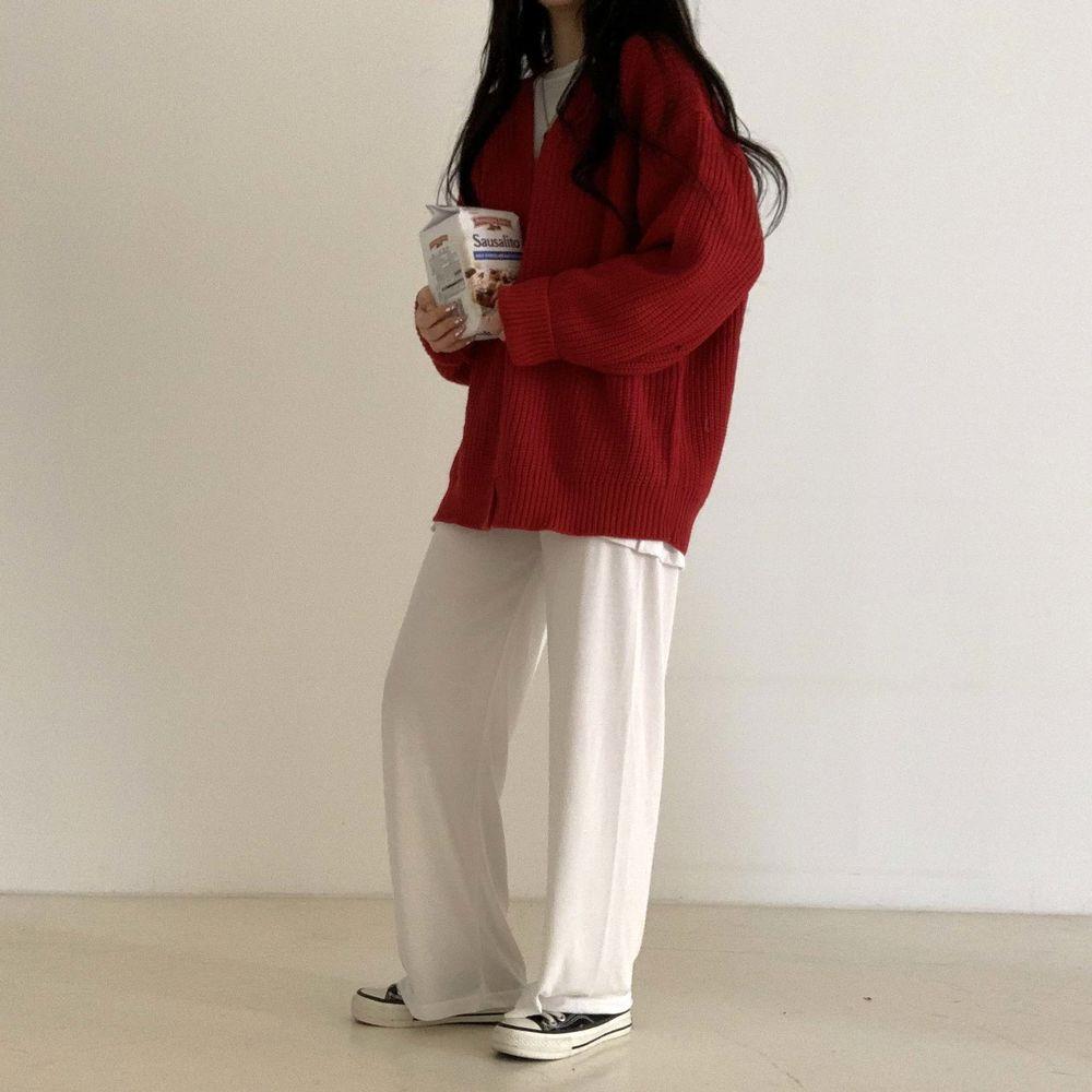 long sleeved tee model image-S1L48
