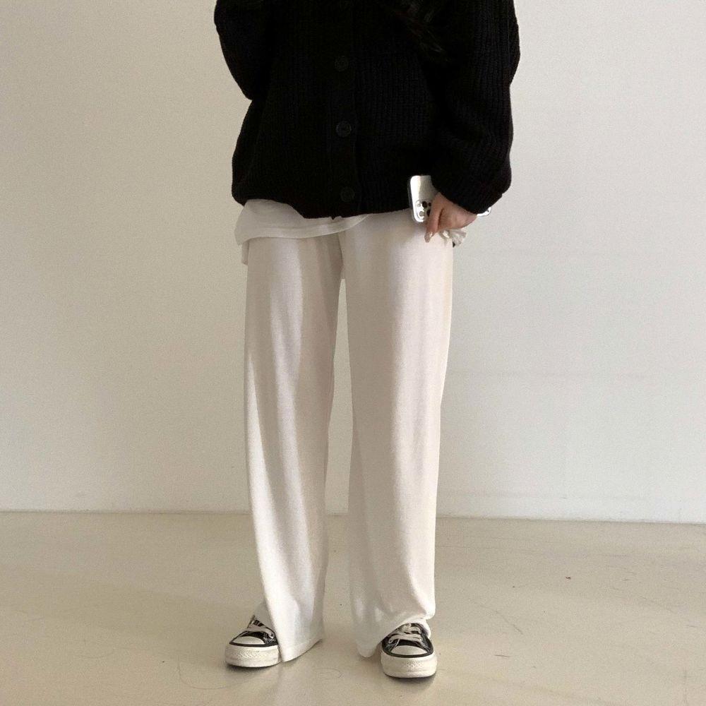 long sleeved tee model image-S1L55