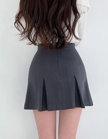 Modi pintuck pleated mini skirt