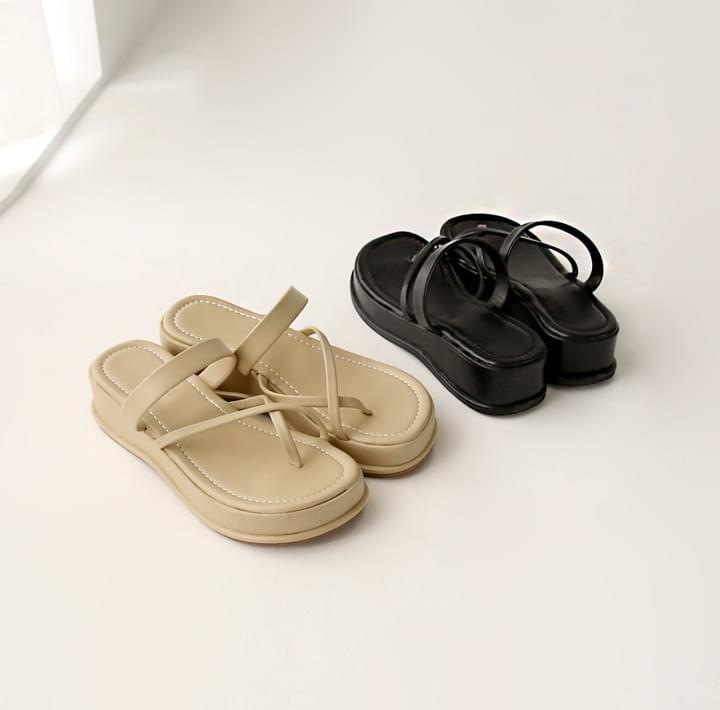 Toe Loop Crossed Strap Sandals