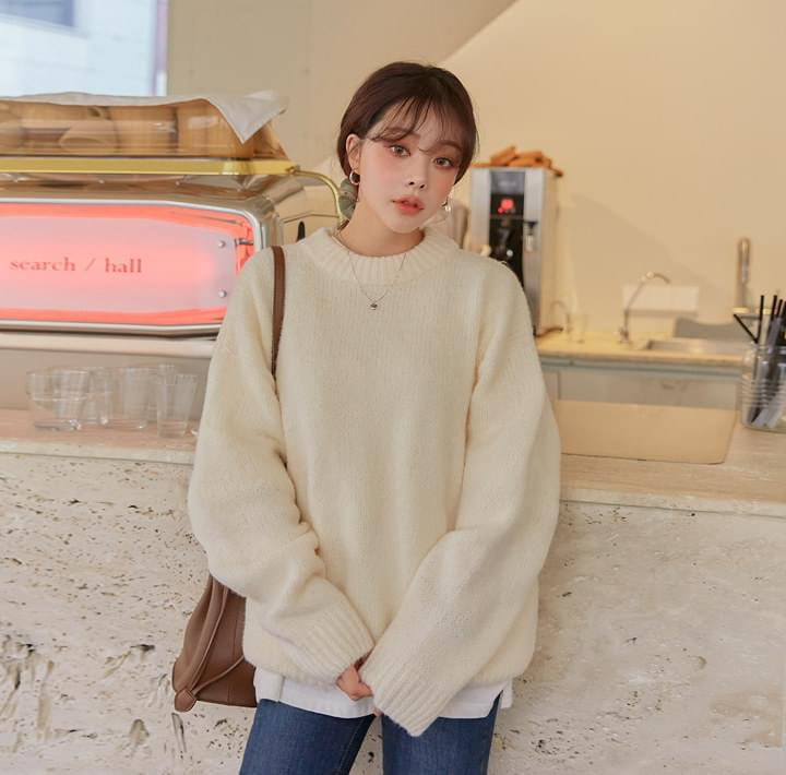 Ribbed Edge Woolen Knit Top