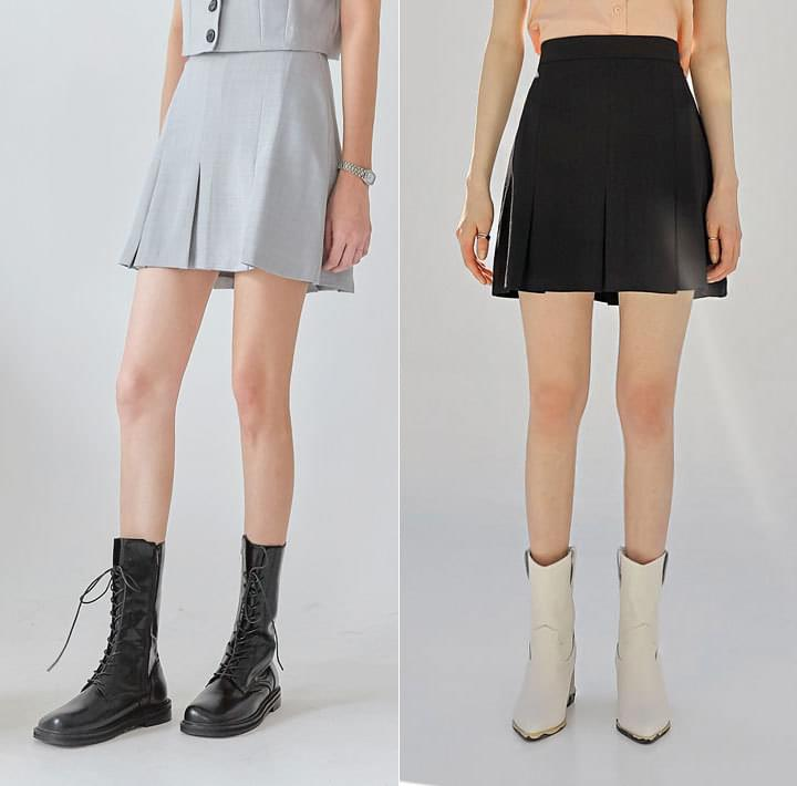 Pleated Hem Mini Skirt WITH CELEBRITY _ Joy (Red Velvet), WINTER (aespa)