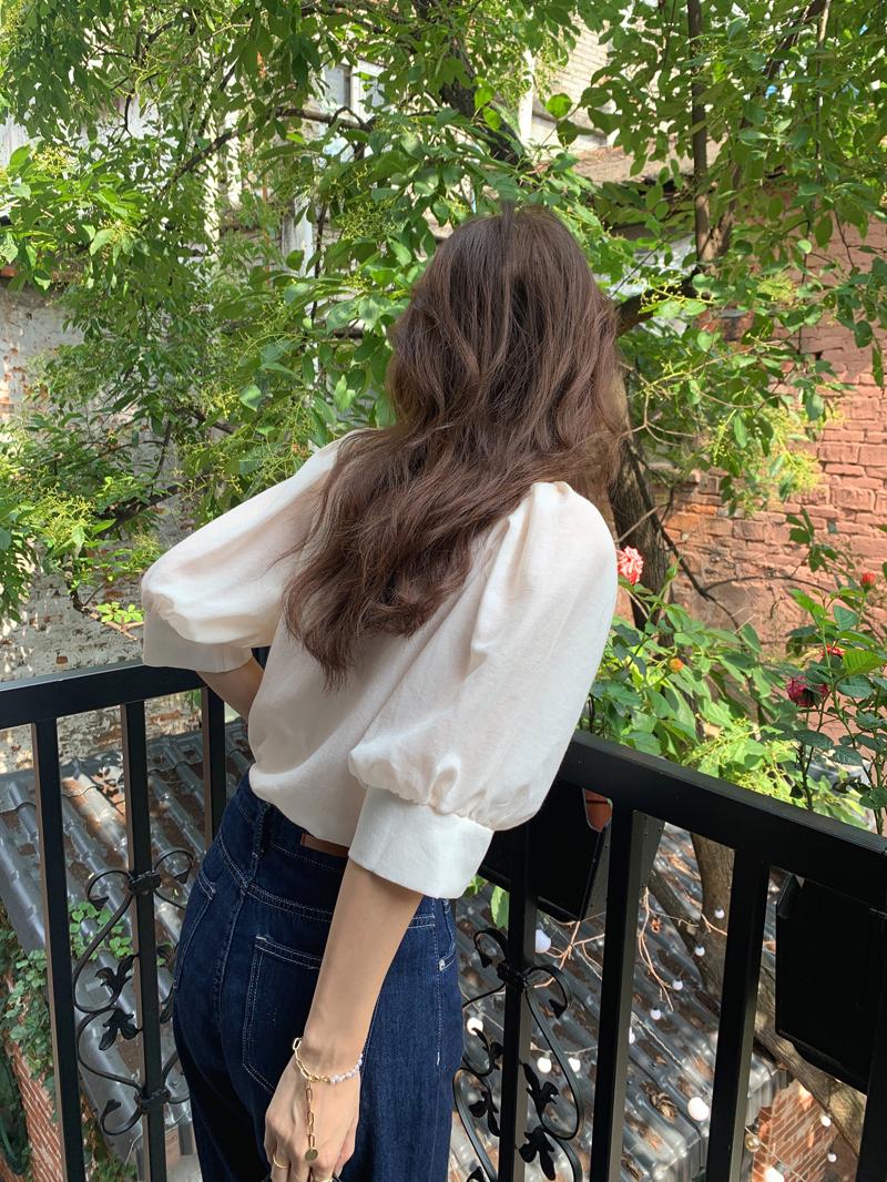 bl4640 Warry shoulder puff short sleeve blouse