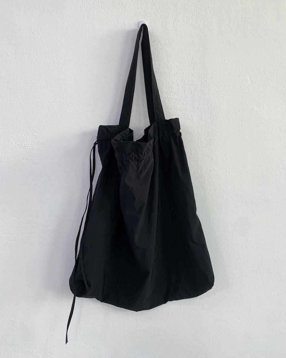 string crunch shoulder bag