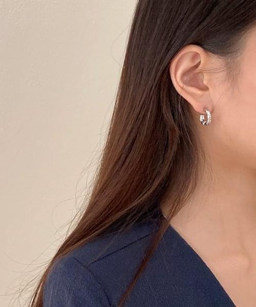 ugly earring
