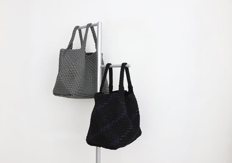 Meg Neoprene Shoulder Bag 肩背包