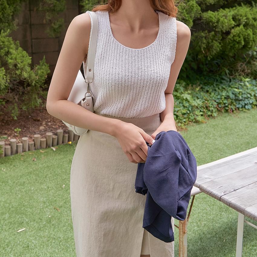 Moe Sleeveless Knitwear