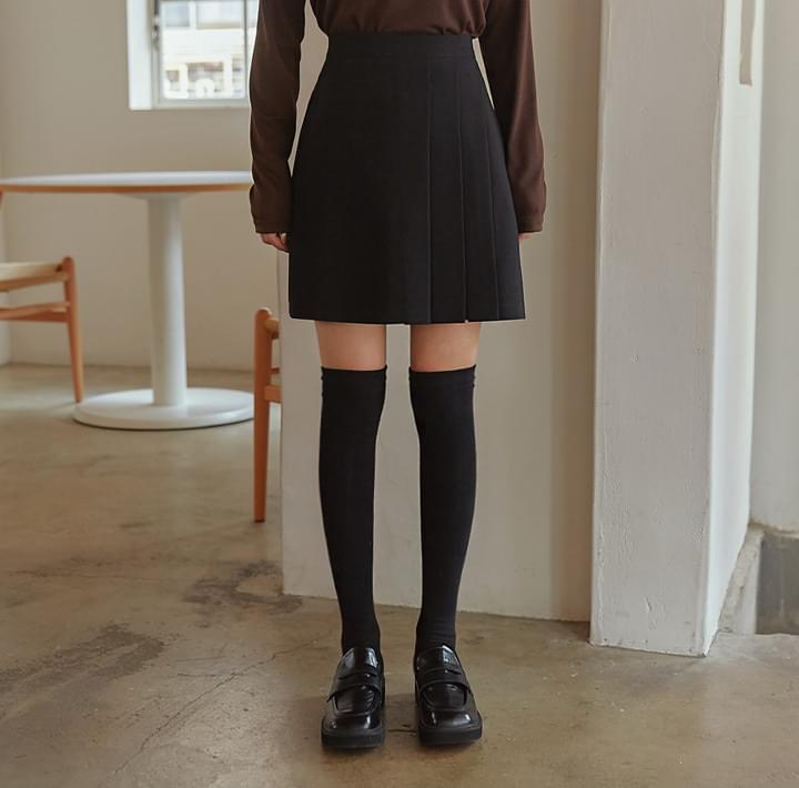 Front Pleat Accent Mini Skirt
