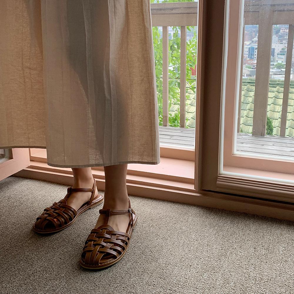 Adue Sandals