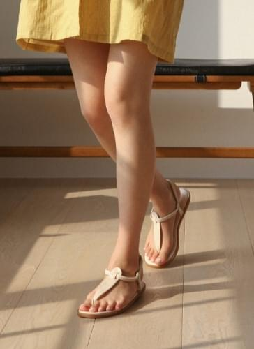 SDLTR2d162 with vacation strap shorts and sandals