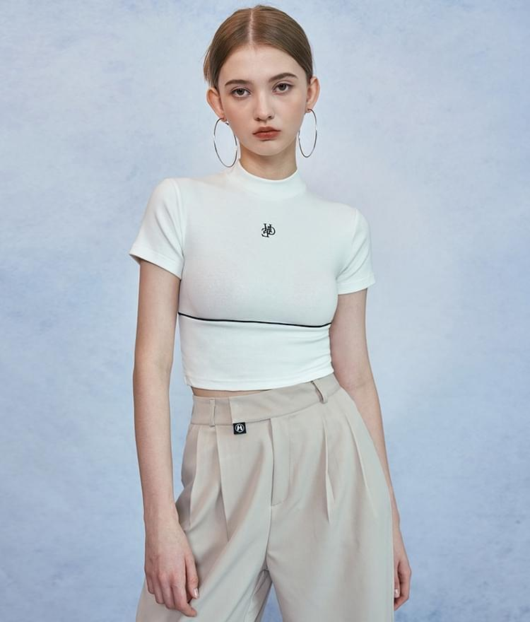 HIDEIvory Contrast Piping Crop Top