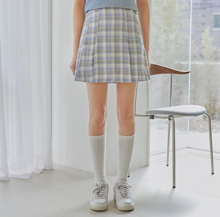 Pleat Accent Check Mini Skirt