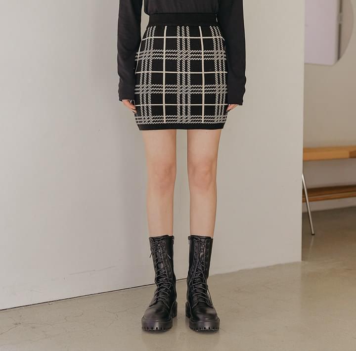 Check Knit H-Line Skirt