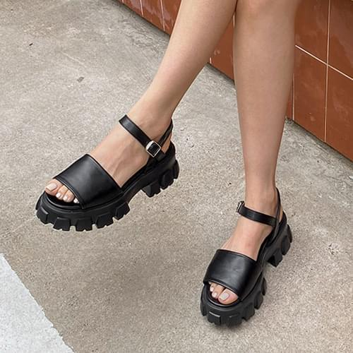 diar strap sandals