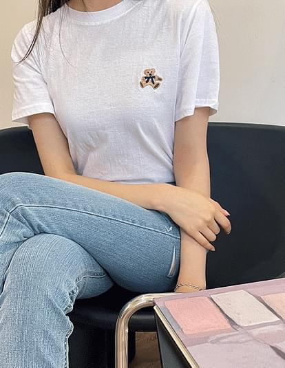 bear embroidered short sleeve T-shirt