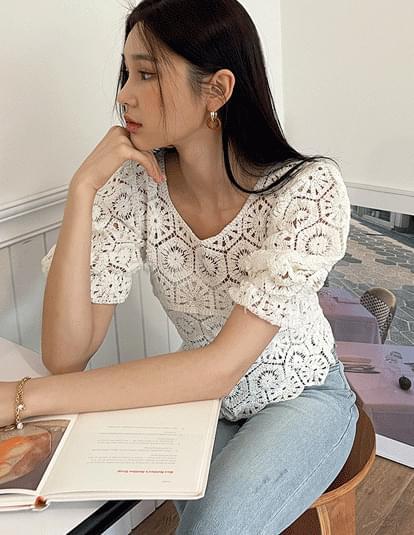 Laural Crochet Puff Knitwear