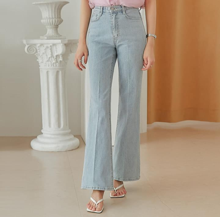 Relaxed Fit Bootcut Jeans (Delayed delivery)