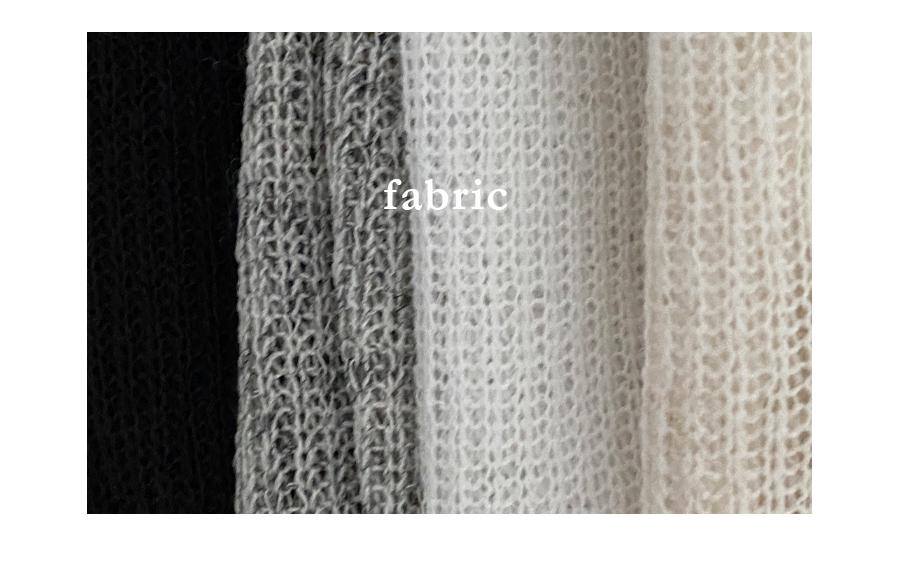 String crop tee in lightweight knitwear yarn