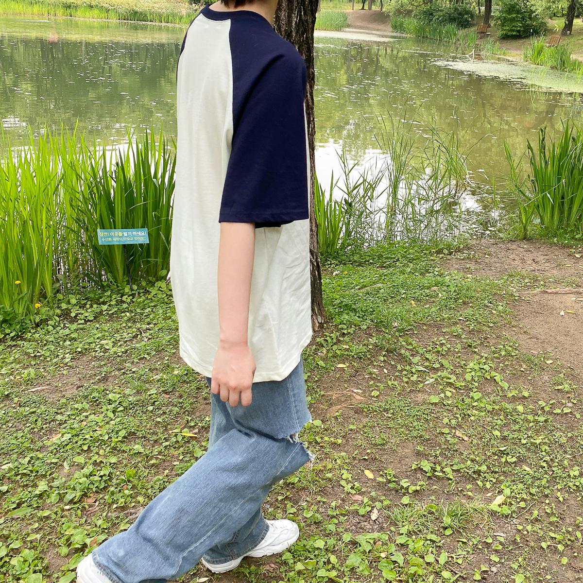 반팔 티셔츠 모델 착용 이미지-S1L8