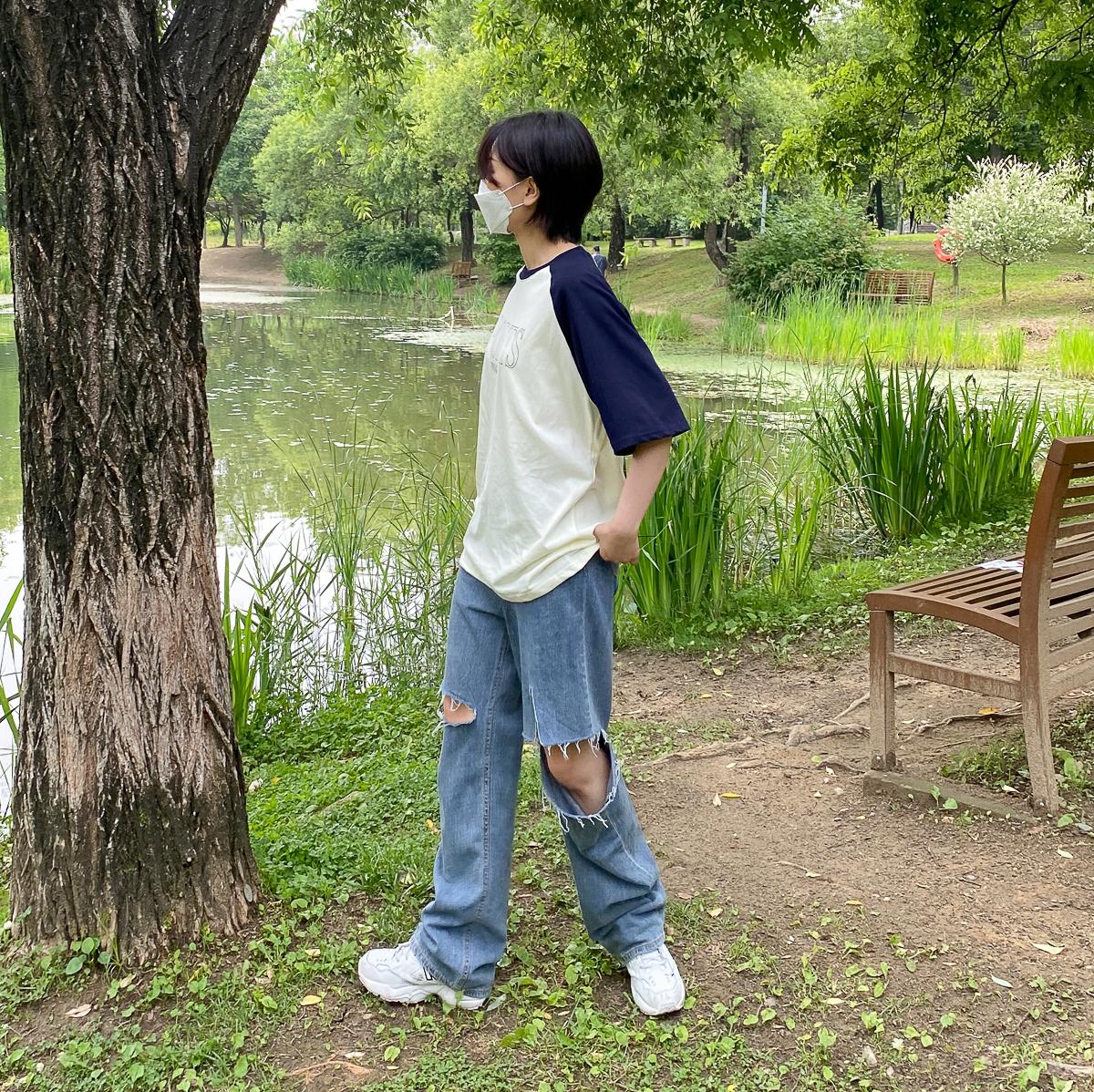반팔 티셔츠 모델 착용 이미지-S1L10
