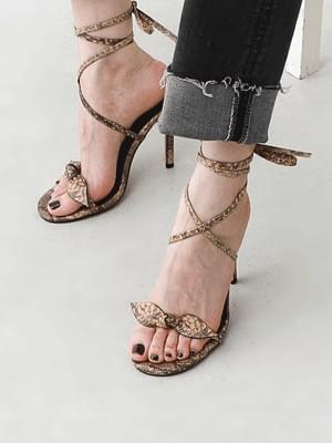 Ribbon Free Strap Python Pattern Kill Heel Sandals 5362