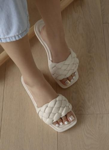 SPLTS2d176 with Rosney Weaving Strap Slippers