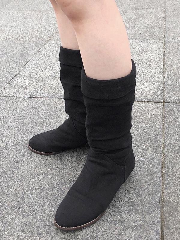 simple roll-up hemp boots