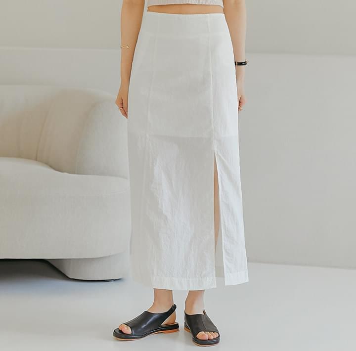Off-Center Slit Long Skirt (Delayed delivery)