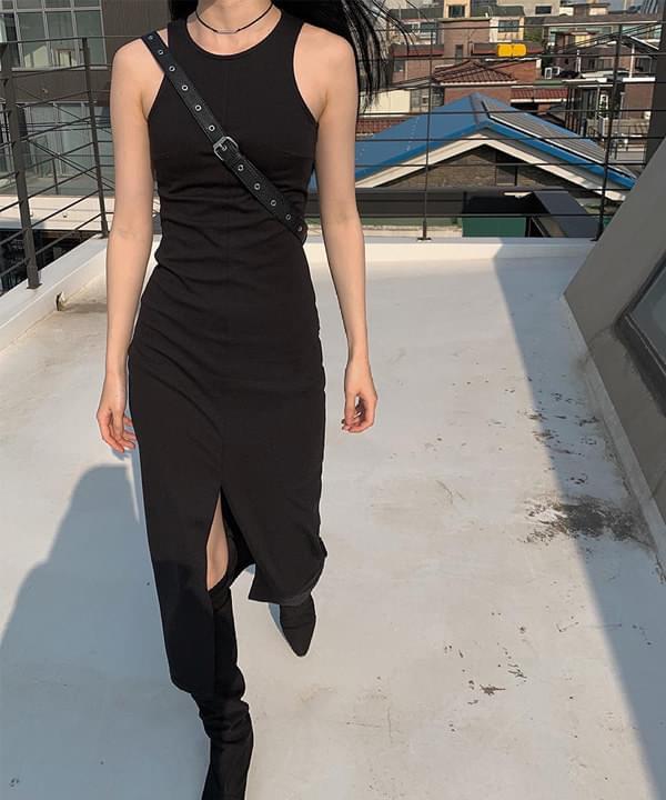 Hate slit sleeveless Dress