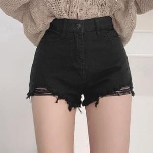 Dart cutting short pants