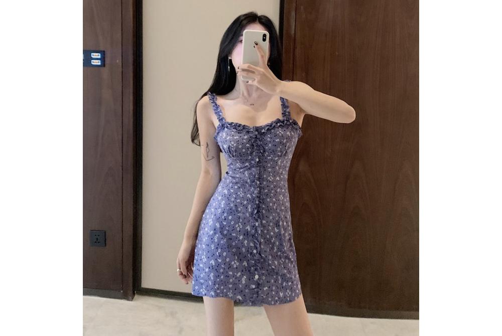 dress model image-S1L2