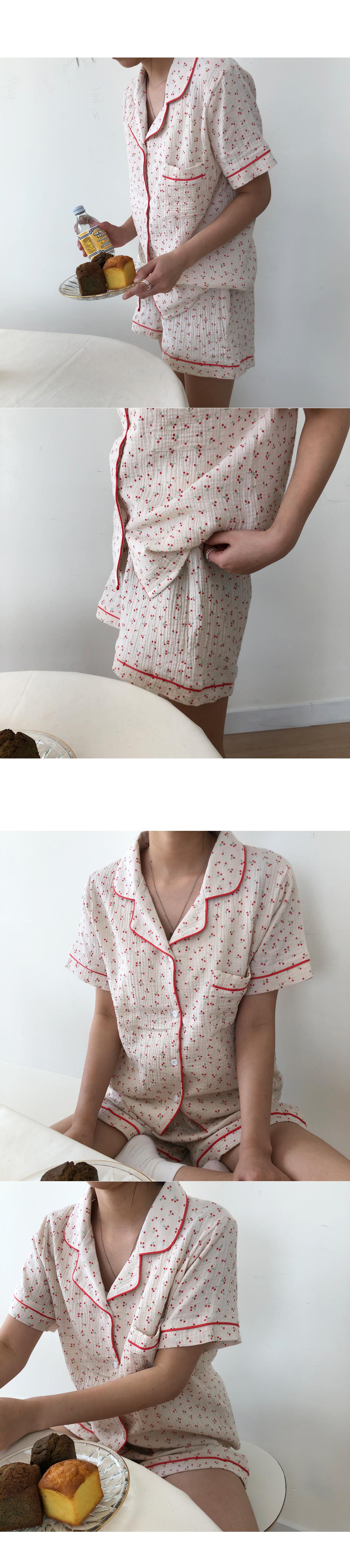 Cherry short sleeve pajamas set